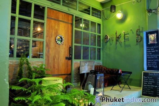 Anna's & Duke's
