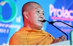 """คำรับรองผลิตภัณฑ์โดกุดามิ โดย """"พระสมชาย"""""""