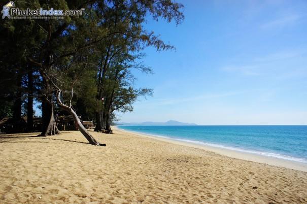 หาดทรายแก้ว