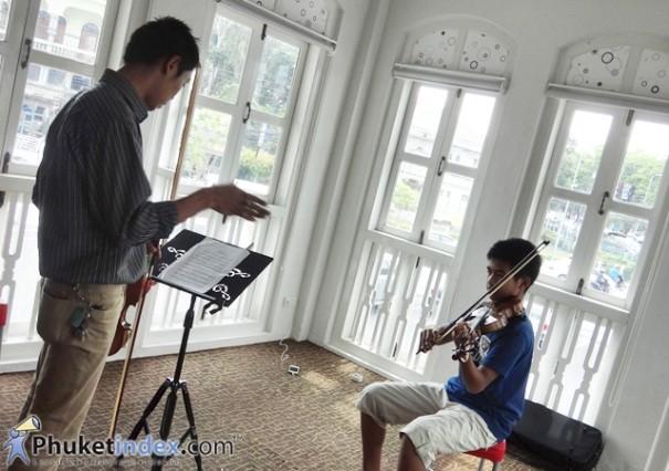 เสริมทักษะ Violin กับโรงเรียนดนตรีสยามกลการ (YAMAHA MUSIC SCHOOL)