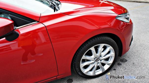 All New Mazda 3 ปราดเปรียวทรงสปอร์ต เน้นความปลอดภัย