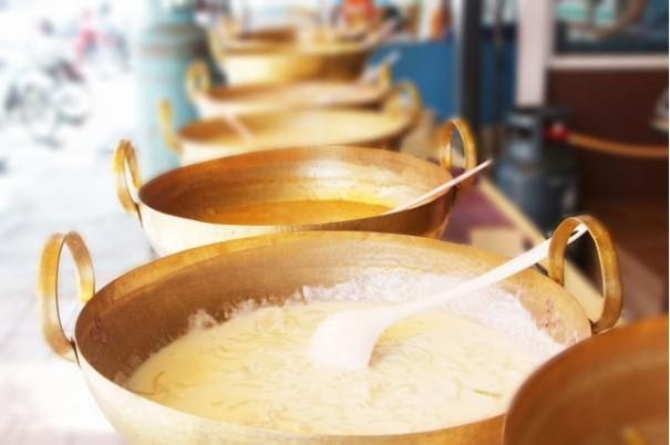บ้านกระทะทอง ขนมไทยจากตลาดน้ำดอนหวาย