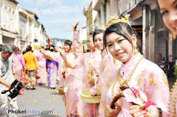 """""""บาบ๋า""""วัฒนธรรมอันงดงามของชาวภูเก็ต"""