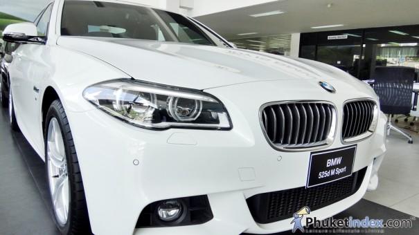 """สัมผัส """"BMW 525D M Sport"""" เมื่อความงามผสานความแรง"""