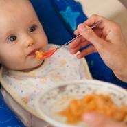 เมื่อไหร่ถึงให้อาหารเสริมกับลูก