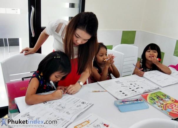 เรียนภาษา ที่โรงเรียนภาษาภูเก็ตไชเนนซิส (PCIS)