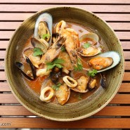 อาหารหลากหลาย ท่ามกลางธรรมชาติ ที่ ลากูน่าคาเฟ่ จากโรงแรมดุสิตธานีลากูน่าภูเก็ต