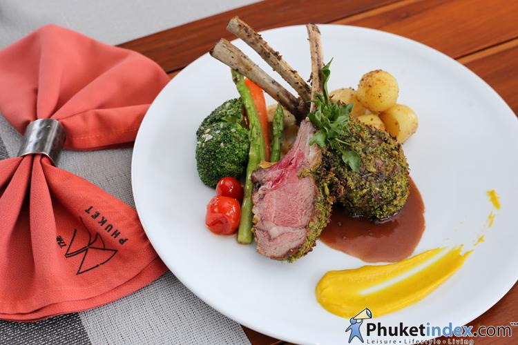 เชฟวิษณุ โขนทอง Executive Sous Chef, The Naka Phuket Resort and Spa