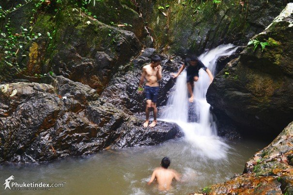 Bangpae Waterfall