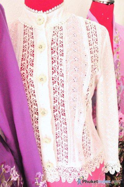 Nyonya lace blouse