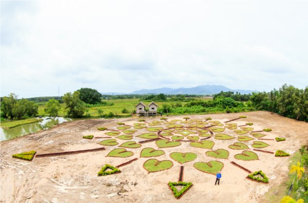 "Phuket's Newest Attraction ""The Land Art No 8'"