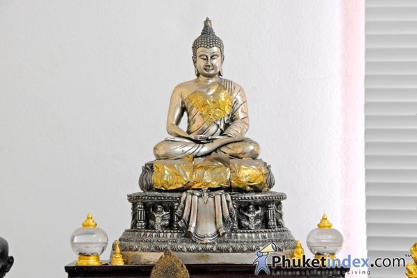 Buddhist Statues – Significances, Hand Gestures & Postures