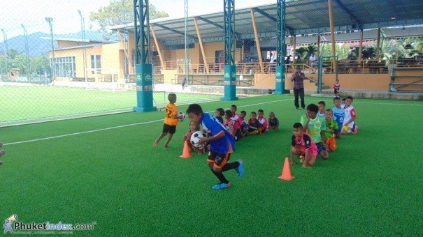 Phuket FC Rawai Supporters Club – Caring for their community