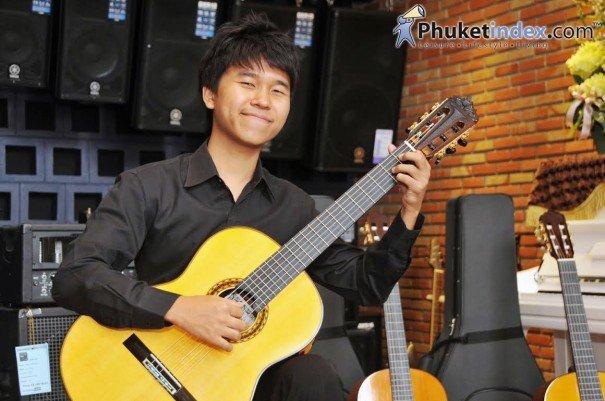 Hitoshi Miyashita : A shooting star for classical guitar