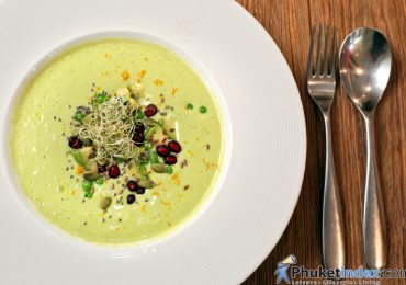 Food Recipes: Raw avocado & green pea soup
