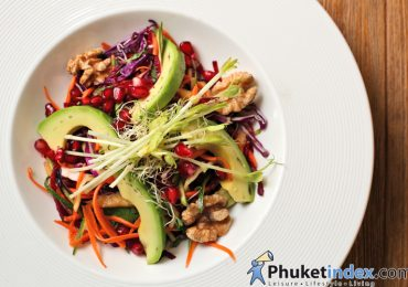 Food Recipes: Phuket tangy salad