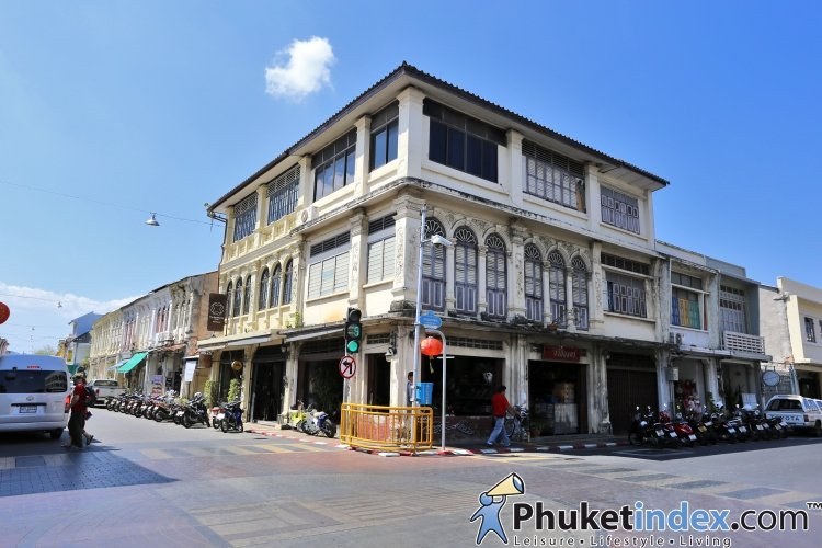 Take a snap with street art paintings at The Old Phuket Town