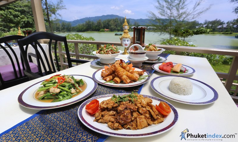 Royal Thai Set Lunch by Lagoon at Ruen Thai Restaurant
