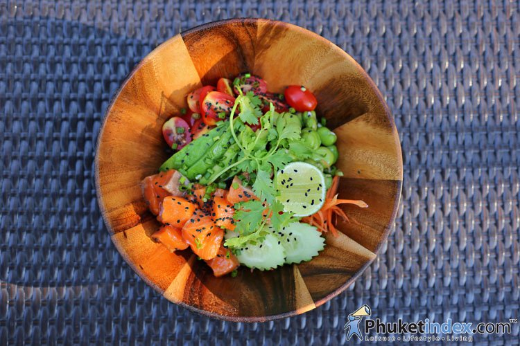 Cooking workout: Fresh salmon sesame poke bowl