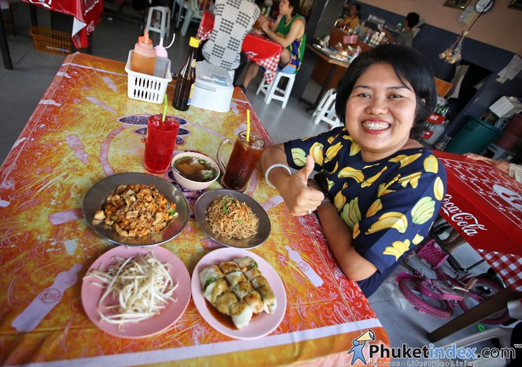 Local food: Phuket Food Centre