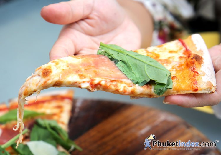 La Fiamma Restaurant, Karon Nui Beach – Pizza from wood-fire oven