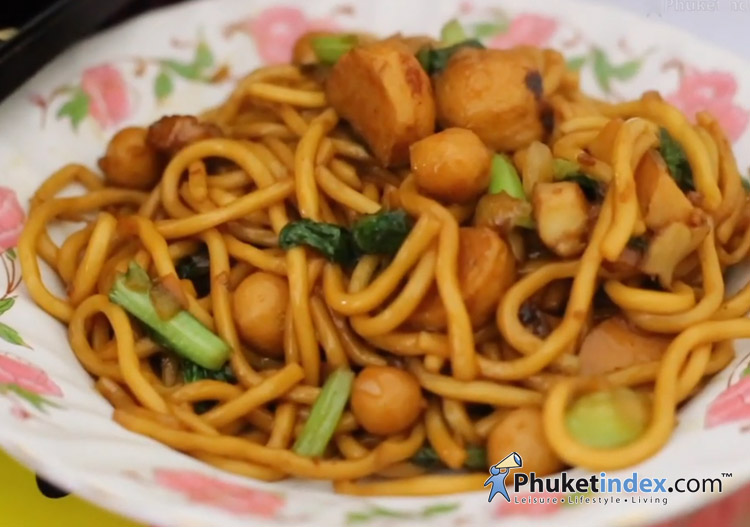 Phuket food – Phuket Fried Hokkien Noodles